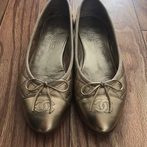 Chanel quilted platinum flats 37.5